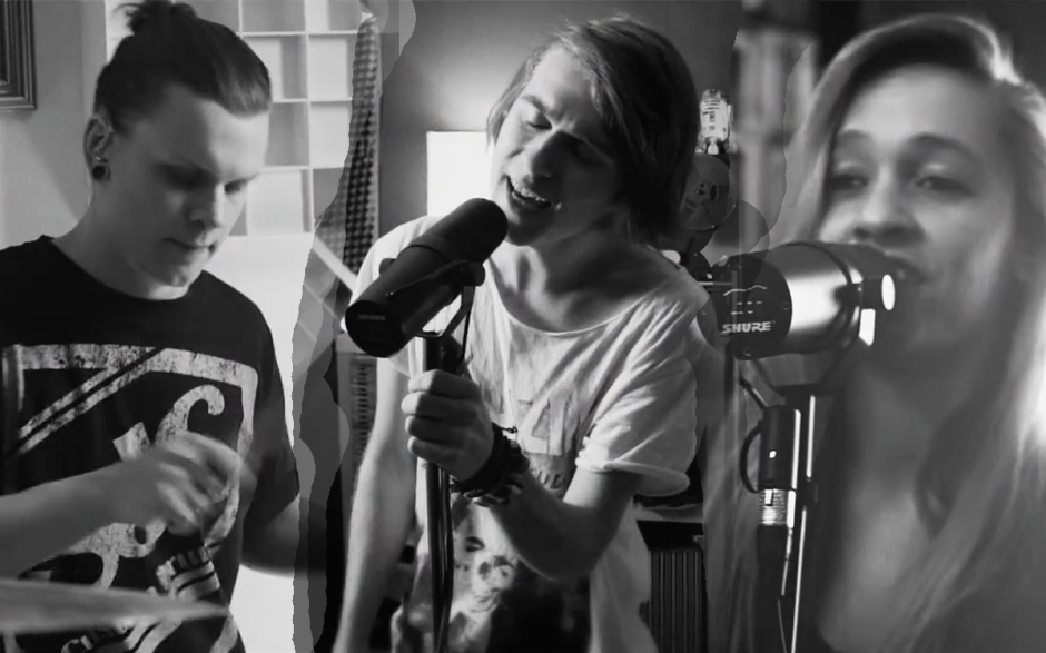 Photo: Taylor Swift / The 1975 - The City Style (Mashup Cover by Twenty One Two & Haley Klinkhammer) YouTube